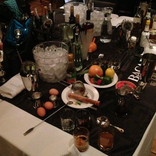 Foto tirada no(a) Astor Wines & Spirits por ALCHEMIQ Catering em 12/10/2012