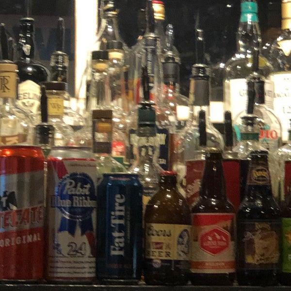 Foto tirada no(a) Redwing Bar & Grill por Barry F. em 1/27/2020