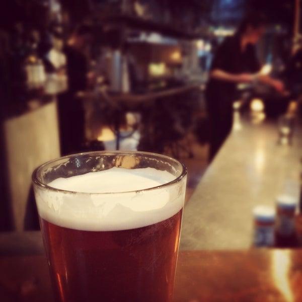 Foto diambil di Subeez Cafe Restaurant Bar oleh Geoffrey B. pada 2/27/2015