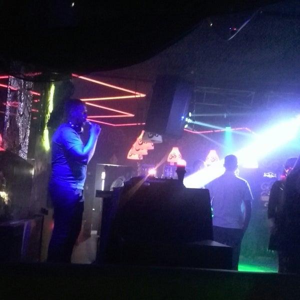 Ночные клубы борисова стрептиз ночной клуб бесплатно