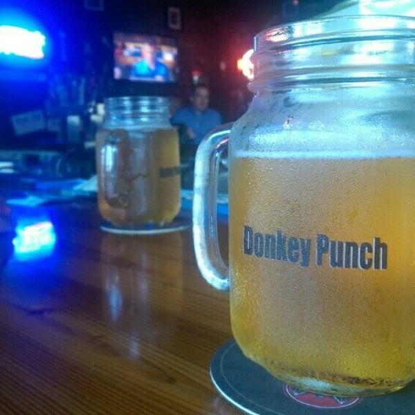 9/10/2014にMark S.がThe Nodding Donkey - SMU Blvdで撮った写真