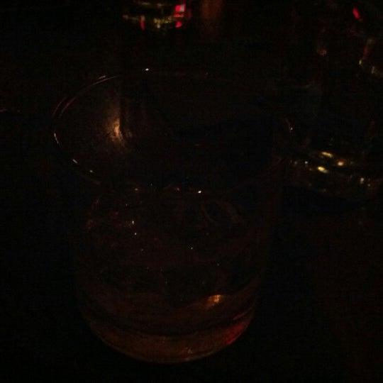 10/7/2012 tarihinde peter h b.ziyaretçi tarafından West Side Lounge'de çekilen fotoğraf
