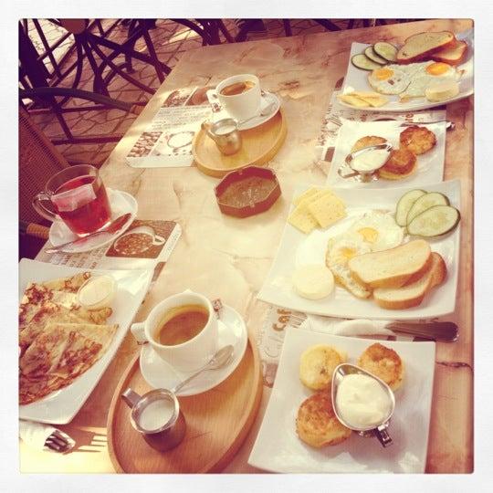 รูปภาพถ่ายที่ Café Bon Apрétit โดย Яна เมื่อ 8/13/2012