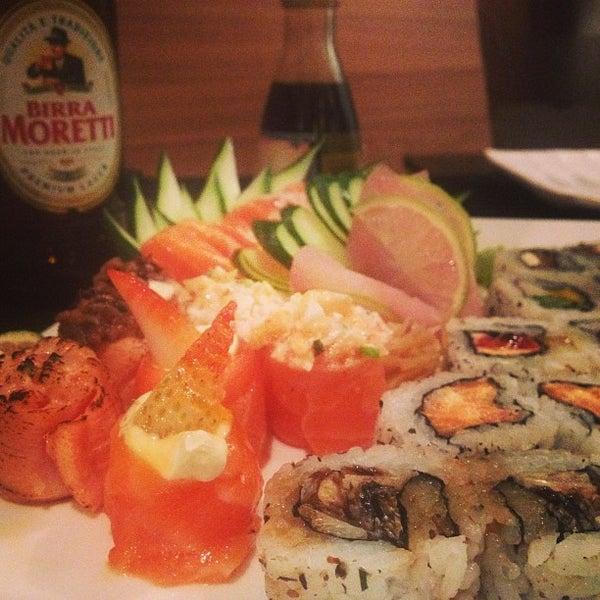 Foto tirada no(a) Himitsu Culinária Japonesa por Guia VemComer.com B. em 3/3/2013