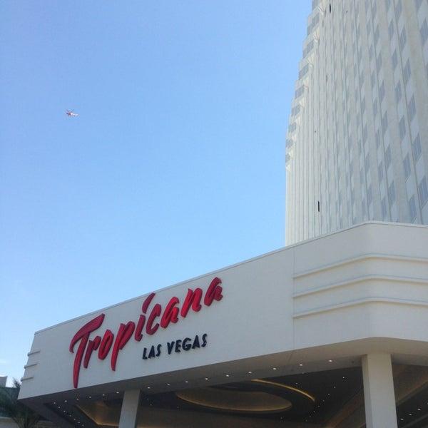 Снимок сделан в Tropicana Las Vegas пользователем JINJIN 7/18/2013