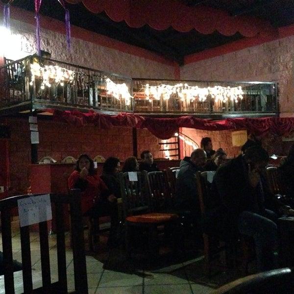 รูปภาพถ่ายที่ La Casona Del Arbol Teatro-Bar & Cocina Show Center โดย Edgardo E. เมื่อ 12/29/2013