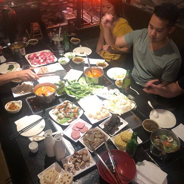 Foto diambil di 99 Favor Taste 99號餐廳 oleh Nav S. pada 9/6/2018