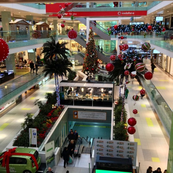 รูปภาพถ่ายที่ Athens Metro Mall โดย Ta A. เมื่อ 12/30/2012