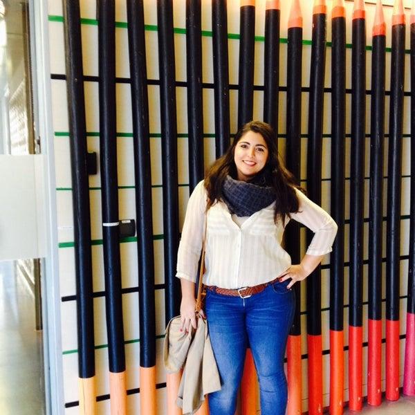 11/20/2013 tarihinde Noelia A.ziyaretçi tarafından Leo Burnett Madrid'de çekilen fotoğraf