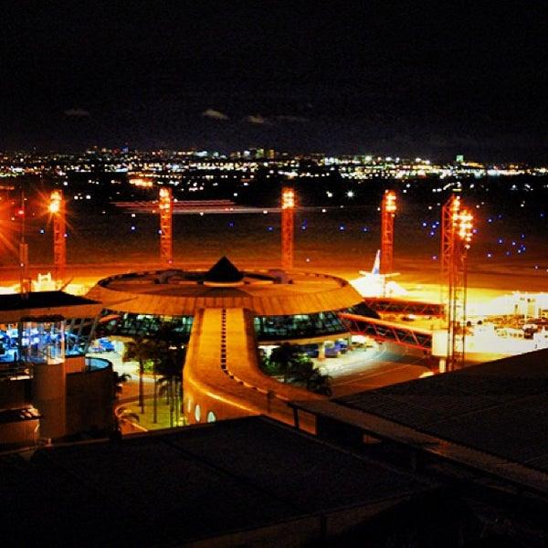 Foto tomada en Aeropuerto Internacional de Brasilia Presidente Juscelino Kubitschek (BSB) por Diego L. el 7/20/2013