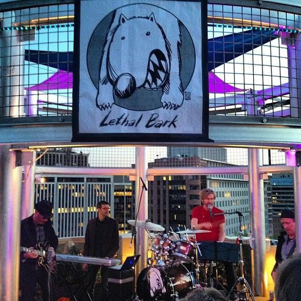 4/26/2013에 Greg L.님이 Beacon Sky Bar에서 찍은 사진