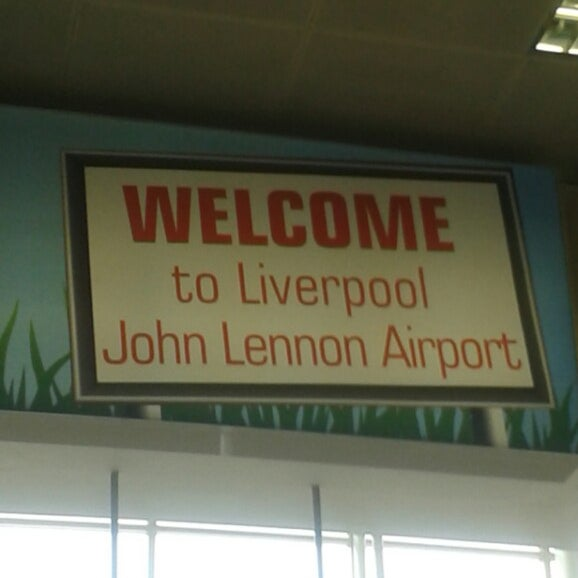 รูปภาพถ่ายที่ Liverpool John Lennon Airport (LPL) โดย Karla P. เมื่อ 7/15/2013