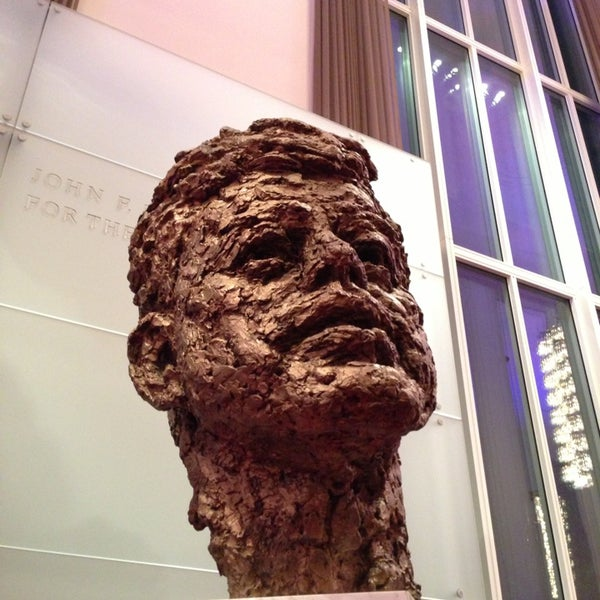 Снимок сделан в The John F. Kennedy Center for the Performing Arts пользователем Bryan N. 12/31/2012