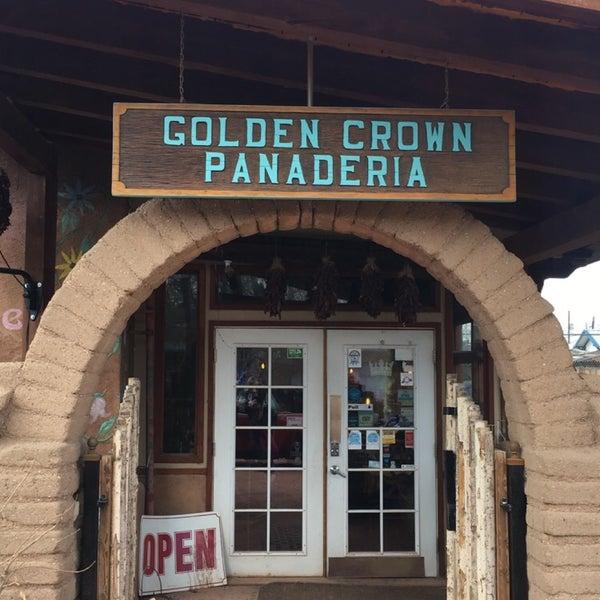 1/21/2018에 Jaclyn H.님이 Golden Crown Panaderia에서 찍은 사진
