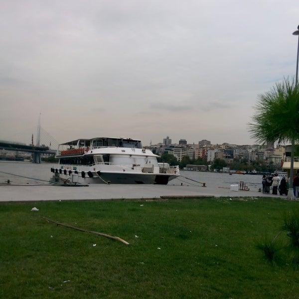 9/21/2014 tarihinde Alperen K.ziyaretçi tarafından Seyr-ü Sefa Teknesi | İstanbul Tekne Kiralama & Teknede Düğün'de çekilen fotoğraf