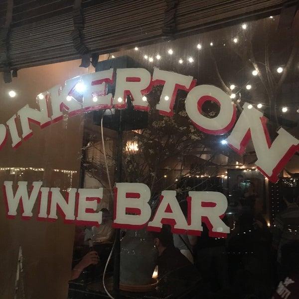 รูปภาพถ่ายที่ Pinkerton Wine Bar โดย Luciefer เมื่อ 3/30/2018