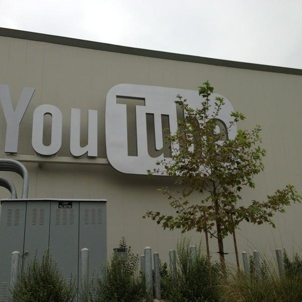 Снимок сделан в YouTube Space LA пользователем alexander s. 8/10/2013