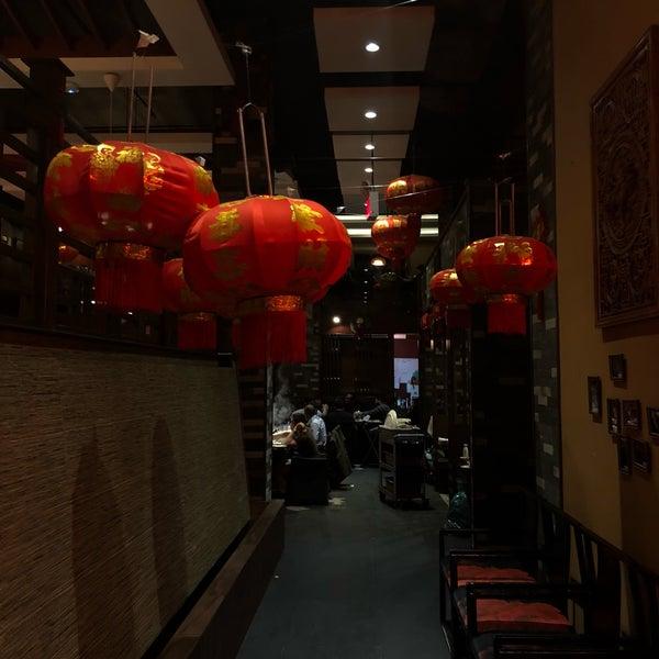 Foto diambil di 99 Favor Taste 99號餐廳 oleh alexander s. pada 3/3/2018