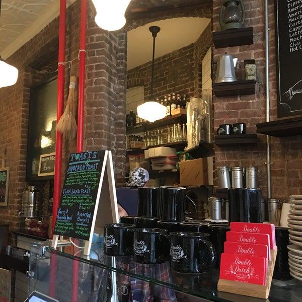 รูปภาพถ่ายที่ Double Dutch Espresso โดย Stacey L. เมื่อ 10/7/2016