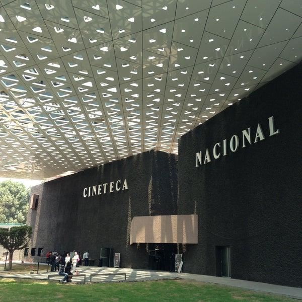 Foto tomada en Cineteca Nacional por Leonor G. el 4/20/2013