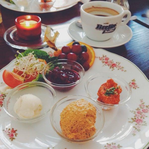 Das Foto wurde bei Café Kanel von Anna-Lena am 2/1/2014 aufgenommen