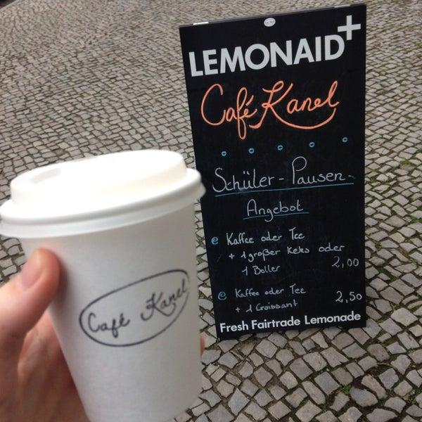 Das Foto wurde bei Café Kanel von Anna-Lena am 12/12/2013 aufgenommen