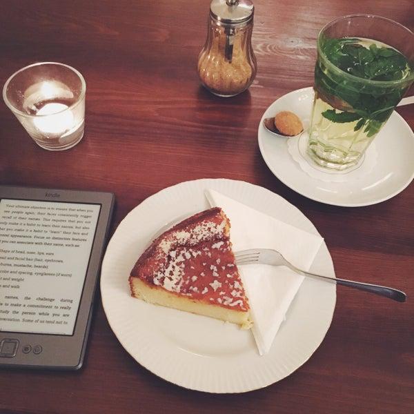 Das Foto wurde bei Café Kanel von Anna-Lena am 10/31/2015 aufgenommen