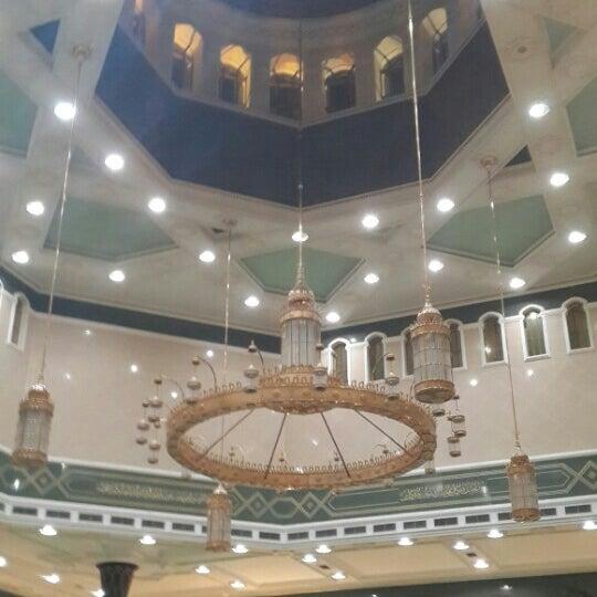 7/26/2015 tarihinde Nurhan Danial N.ziyaretçi tarafından Masjid Al-Ameerah Al-Hajjah Maryam, Kg Jerudong'de çekilen fotoğraf