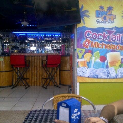 Foto diambil di Day Off Beach Bar oleh JCQuiGar .. pada 11/4/2012