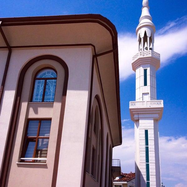 8/31/2017 tarihinde Murat B.ziyaretçi tarafından Buhara Gül Camii'de çekilen fotoğraf