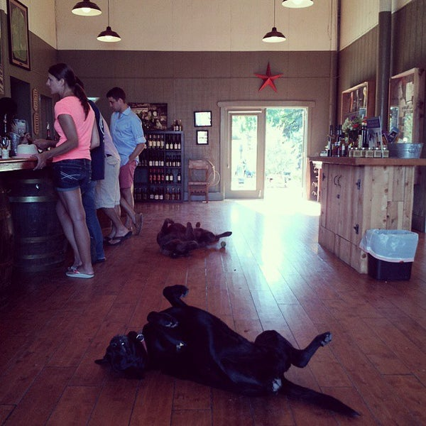 Das Foto wurde bei Larson Family Winery von Quinn W. am 8/12/2013 aufgenommen
