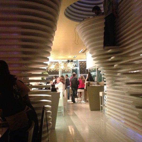 Foto tirada no(a) SushiCafé Avenida por Pascal L. em 5/10/2013