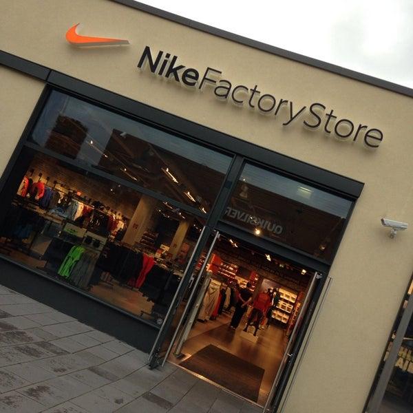 Factory SoltauNiedersachsen Store Nike Factory Store SoltauNiedersachsen SoltauNiedersachsen Nike Store Factory Nike 8wvOn0mN