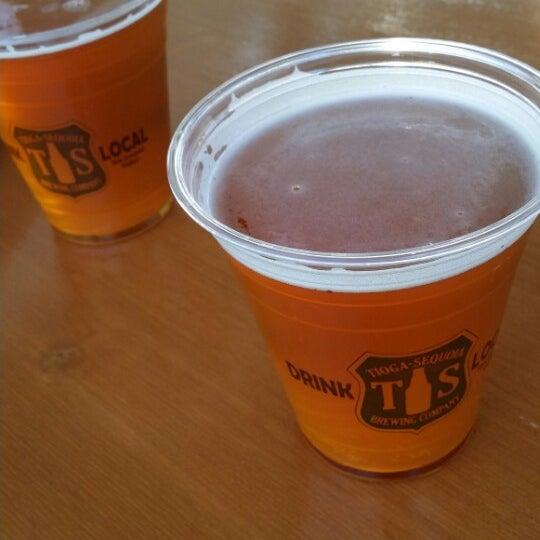 8/2/2014 tarihinde Razz A.ziyaretçi tarafından Tioga-Sequoia Brewing Company'de çekilen fotoğraf