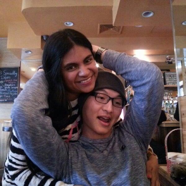 Foto diambil di Ottomanelli's Wine & Burger Bar oleh Natalia P. pada 12/8/2013