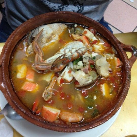 Снимок сделан в Ostionería Mazatlán пользователем Luis S. 12/14/2012