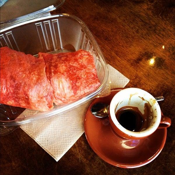 Снимок сделан в Sunrise Coffee пользователем David R. 8/6/2012