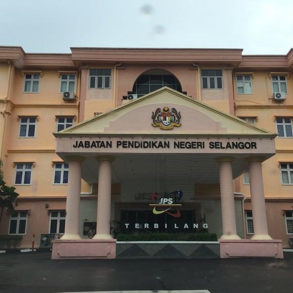 Jabatan Pelajaran Selangor Government Building