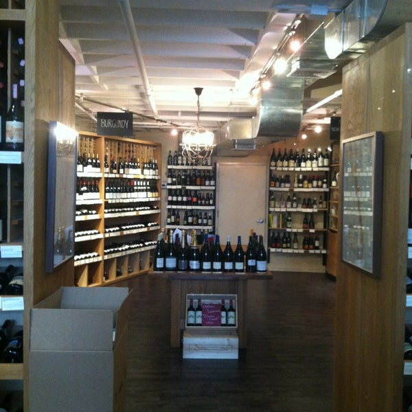 Photo prise au Flatiron Wines & Spirits - Manhattan par Brian M. le4/1/2013