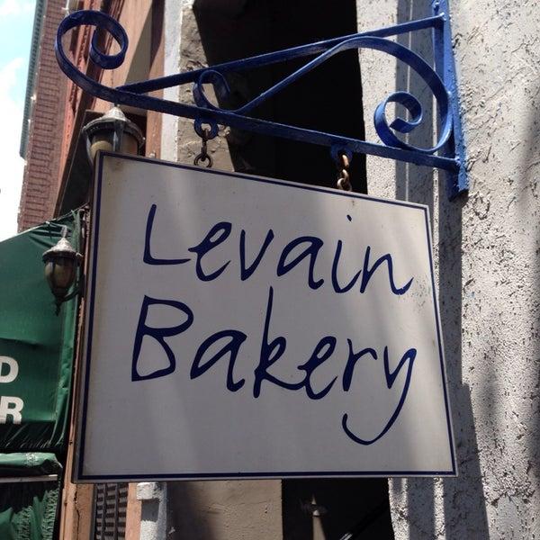 6/29/2013에 Rob C.님이 Levain Bakery에서 찍은 사진