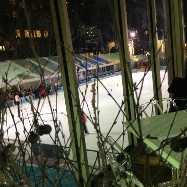 Foto tomada en Celsius at Bryant Park por Nourah A. el 1/26/2013
