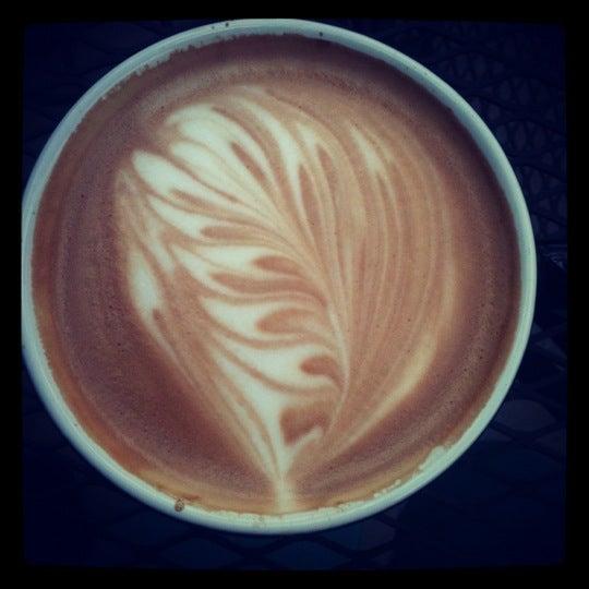 Foto tomada en Mars Cafe por Megan B. el 10/15/2012