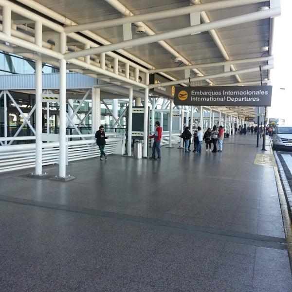 Foto tomada en Aeropuerto Internacional Comodoro Arturo Merino Benítez (SCL) por Miguel G. el 7/14/2013