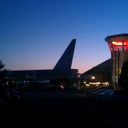 9/14/2012にJaimeTがWings Over the Rockies Air & Space Museumで撮った写真