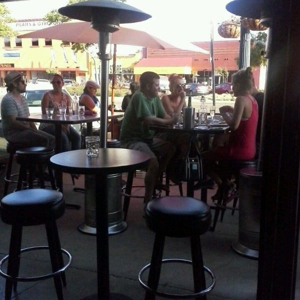 7/8/2013にMicheal A.がUptown Tavernで撮った写真