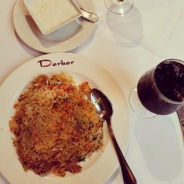 Photo prise au 2 Darbar Grill Fine Indian Cuisine par yasir a. le9/7/2014