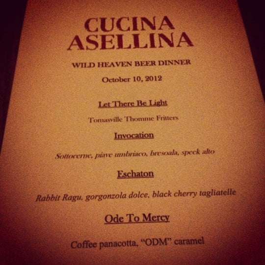 Foto tirada no(a) Cucina Asellina por Sarah A. em 10/10/2012