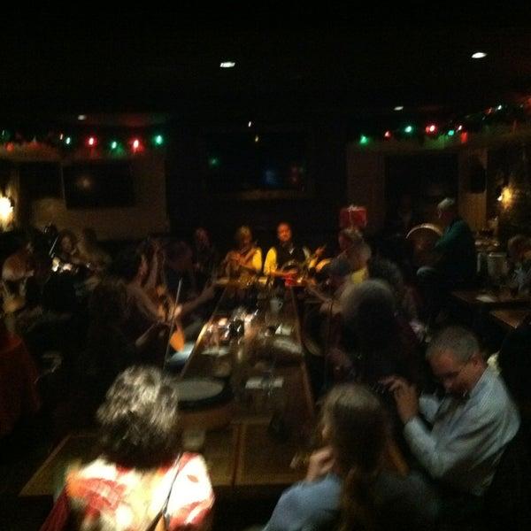 Foto scattata a Dempsey's da Sean M. il 12/19/2012