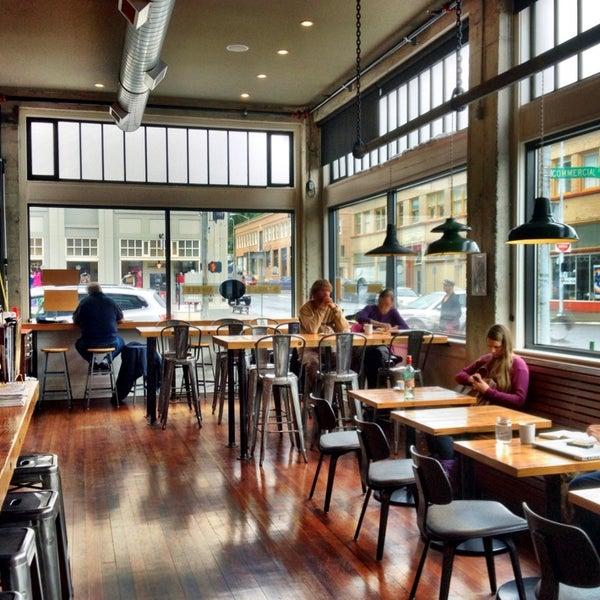 Foto diambil di Street 14 Cafe oleh Paul H. pada 10/2/2013