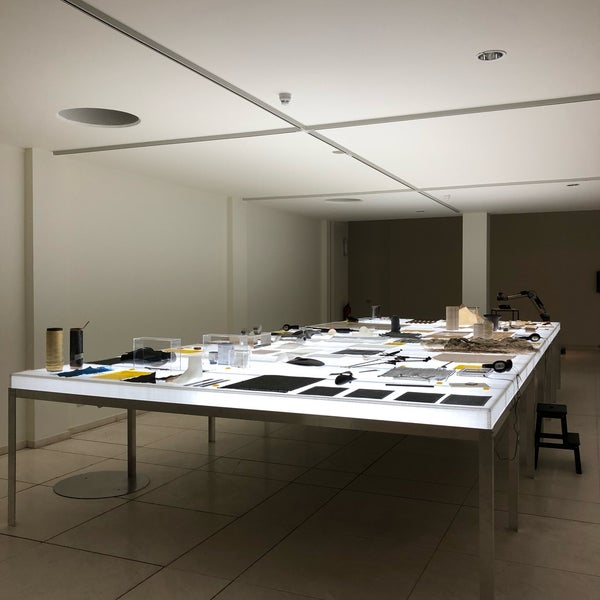 รูปภาพถ่ายที่ Design Museum Gent โดย Mette G. เมื่อ 11/12/2018